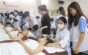 Chăm sóc sắc đẹp là nghề chính quy, có thể học liên thông bậc đại học