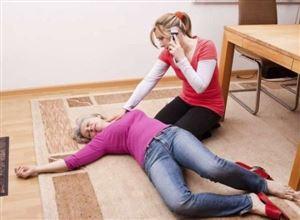5 điều cấm kị khi cứu người đột quỵ